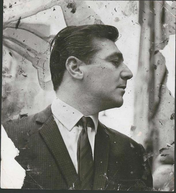 Black and white photograph of George Dyer in Soho, profile, by John Deakin