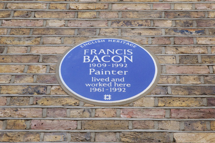 Francis Bacon Blue Plaque at 7 Reece Mews, London. © English Heritage 2018.