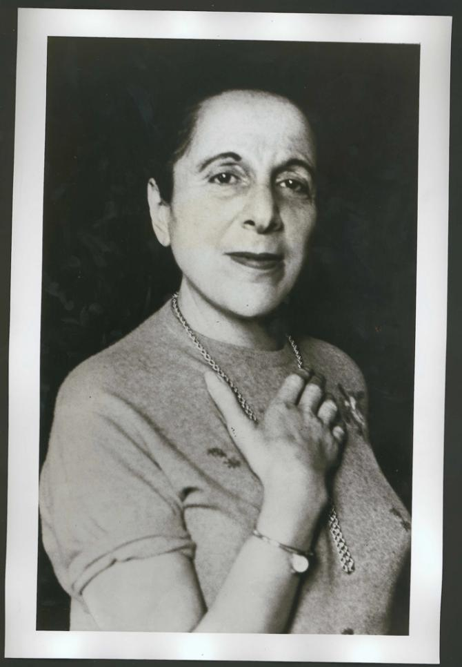 Photograph of Muriel Belcher, by John Deakin